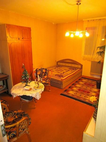URÁNVÁROS CSENDES RÉSZÉN tágas, szigetelt 3 szobás lakás