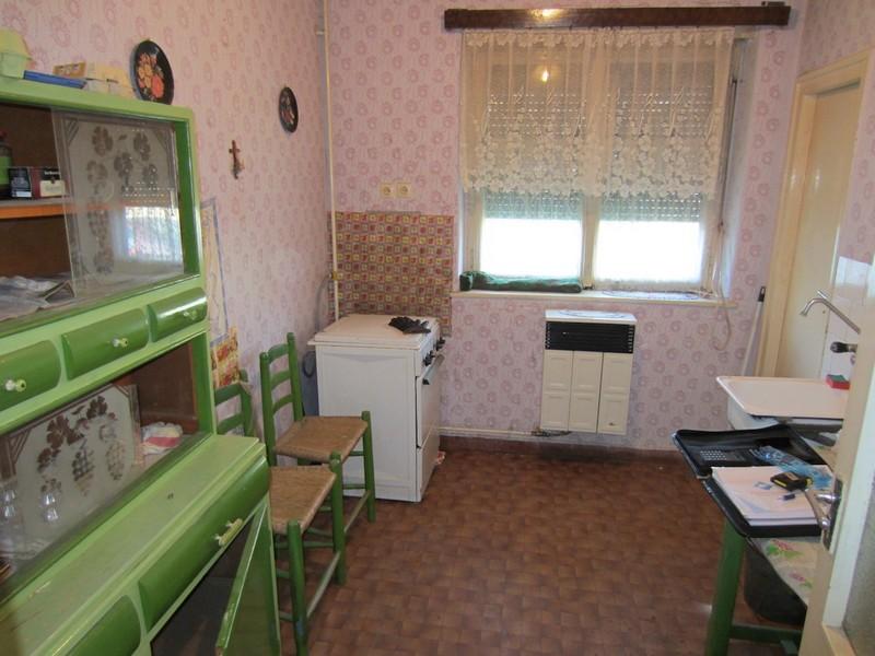Olcsó fenntartású tégla-gázos lakás Pécs-Vasason