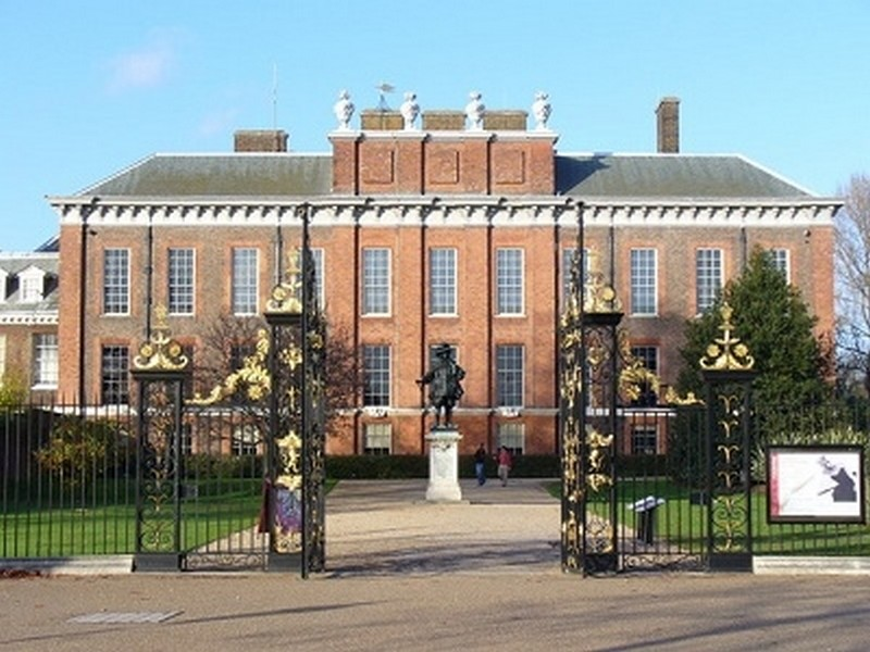 kensington-palace-the-south-front-geograph-org-uk-287402-1374527931.jpg