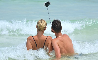 selfie400-1471295159.jpg