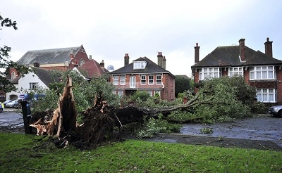 tree-storm-britain400-28-10-2013-1382986499.jpg