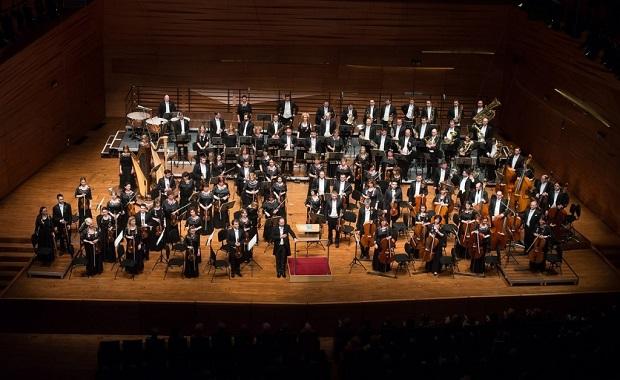 pannon-filharmonikusok-karmester-boganyi-tibor-foto-bublik-robert-1467726147.jpg