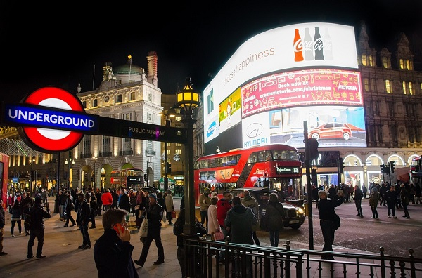 piccadilly-circus600-1482089038.jpg